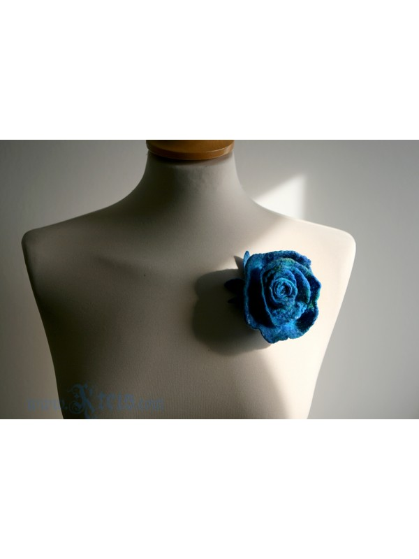 Teal blue rose flower corsage -  felt flower brooch
