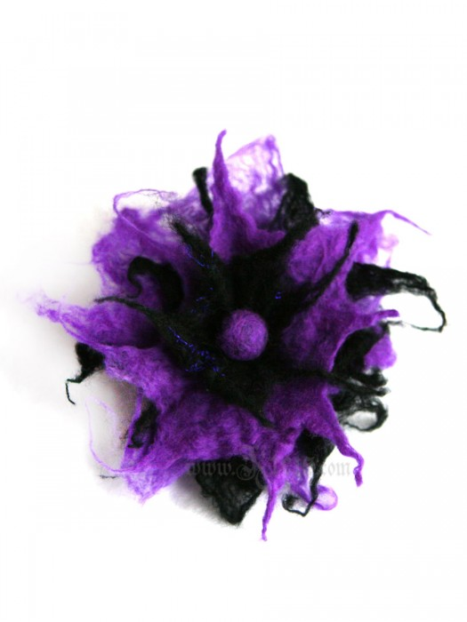 Purple goth flower brooch -  felt flower
