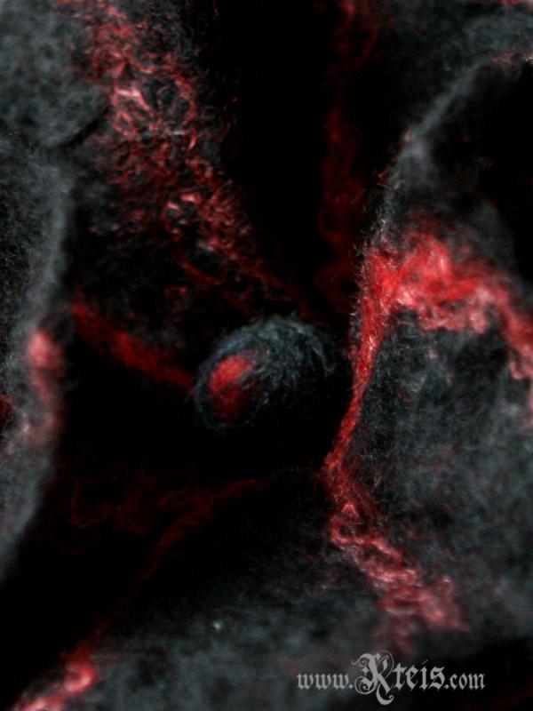 Black red wool floral brooch - felt flower